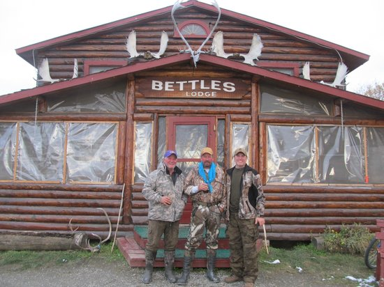 Parque Nacional y Reserva Puerta del Ártico, AK: At the end of the hunt, Ready for a Jack Daniels!
