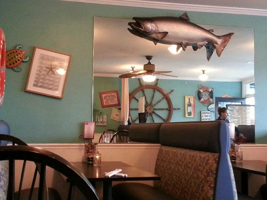 Castaways Seafood Grille : Place