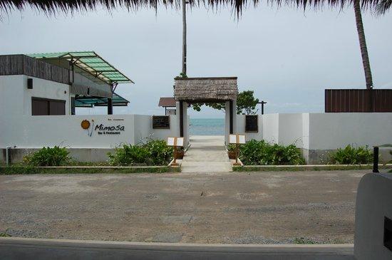 Mimosa Resort & Spa: ресторан отеля и бассейн