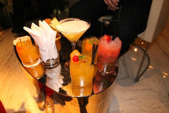 Ray's Bar: Happy hour!