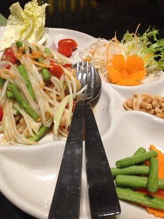 Benjarong: Papaya Salad