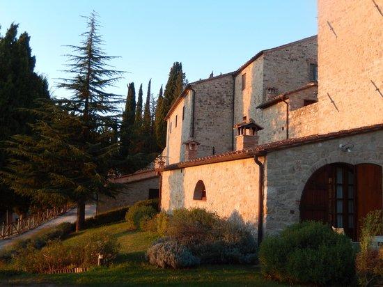 Borgo di Pietrafitta Relais: Hotel & grounds