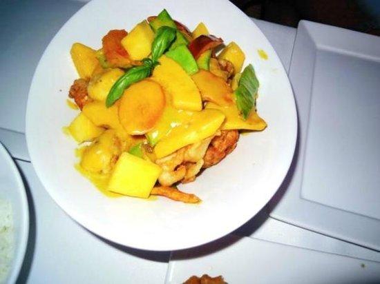 Noa Restaurant : Mango Hühnchen mit grünem Curry