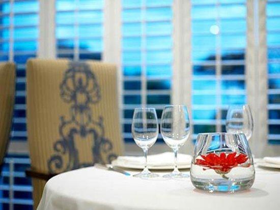 Ocean Restaurant: set up