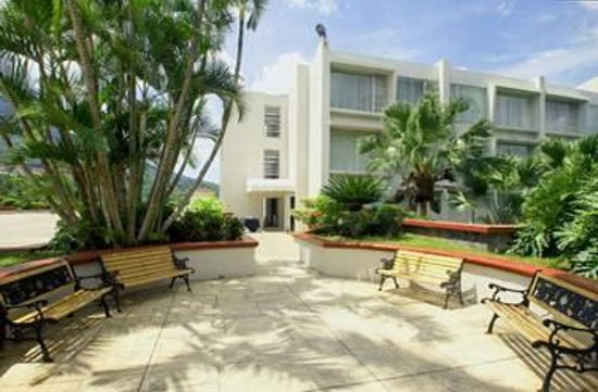 Plaza Hotel & Suites: Terrace