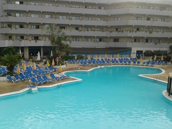 Apartamentos Turquesa Playa : PISCINA LO MEJOR DEL HOTEL