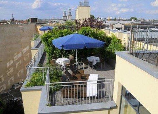 Upstalsboom Hotel Friedrichshain: Dachterrasse