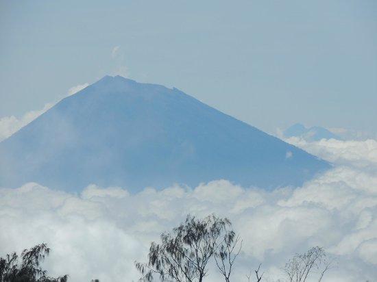 Sarinbuana Eco Lodge : Blick auf einen weiteren Gipfel... vielleicht beim nächsten Mal :-D