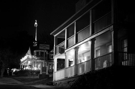 South Landing Inn: The Inn at night