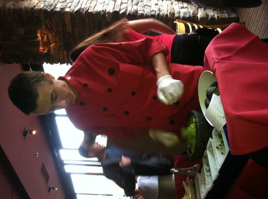 Rojo Mexican Bistro : Table-side Prepared Guacamole