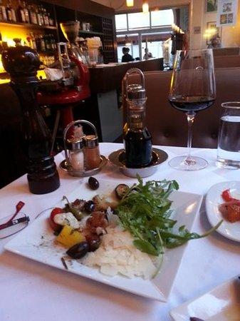 Ristorante Gondola: Our half-eaten Antipasto at Gondola