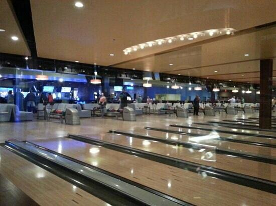 Latitude 360: bowling lanes