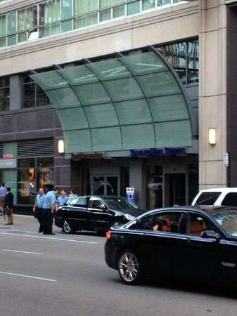 SpringHill Suites Chicago Downtown/River North: Entrance - Street View