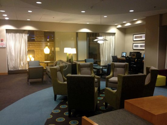 SpringHill Suites Chicago Downtown/River North : Lobby & Business Center