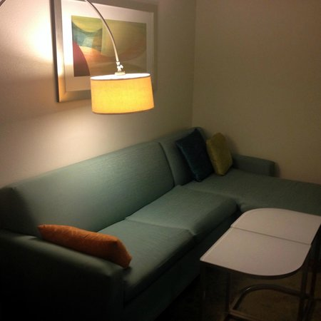 SpringHill Suites Chicago Downtown/River North : Sofa