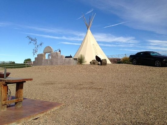 Cherry Wood Bed Breakfast and Barn : Lone Star Teepee