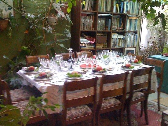 Magda House: Comedor en Veranda muy iluminado