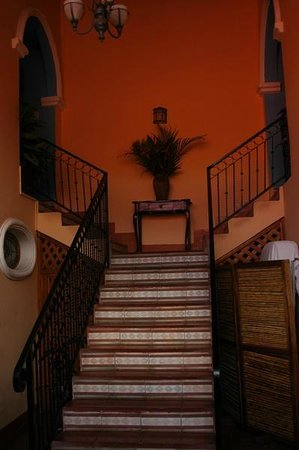 Casa San Francisco: Stairs to rooms