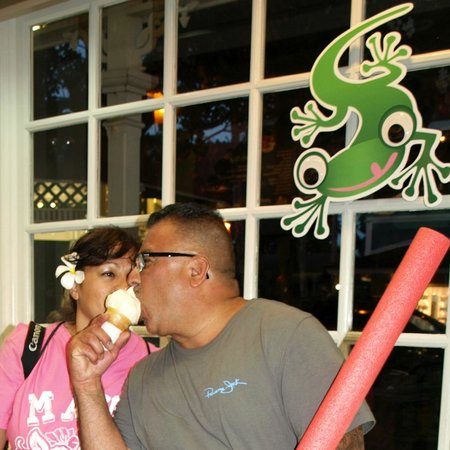 BanyanTreats: Lupe and Alex share a cone, and Mo'o shares the photo.