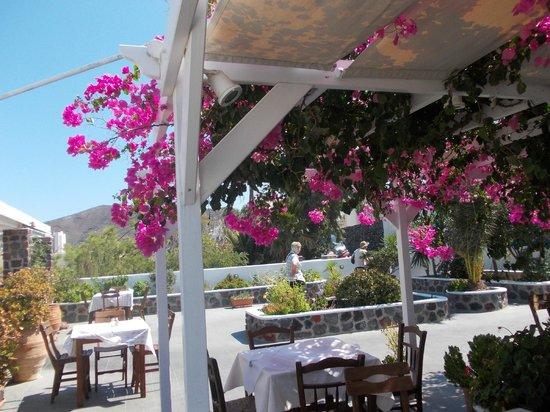 Anemomilos Restaurant: Lovely Setting