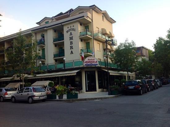 Hotel Ambra: luglio 2012