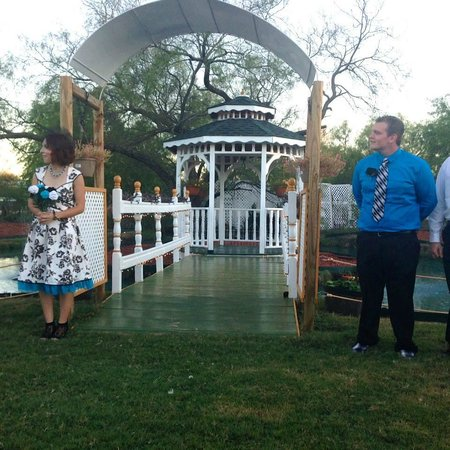 Old Irish B&B - Wedding & Event Center: A front view of the bridge leading to the gazebo.