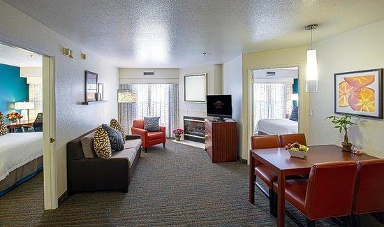 Residence Inn Stockton: Two Bedroom Suite