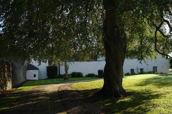 Macdonald Houstoun House: Grounds