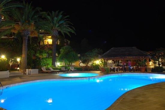 Balocco Hotel : Pool and bar