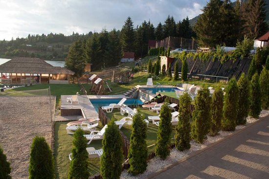 Bistrita-Nasaud County, Rumunia: Pool at Fisherman's Resort