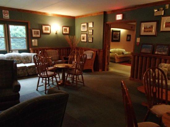 Northridge Inn & Resort: Lounge