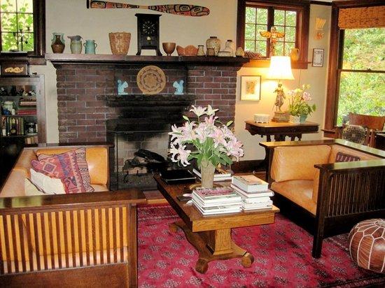Foxglove Guesthouse: Foxglove living room area