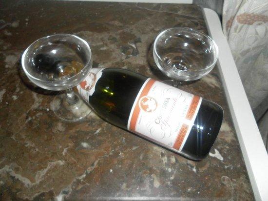 Amada Colossos Resort: Champagne!