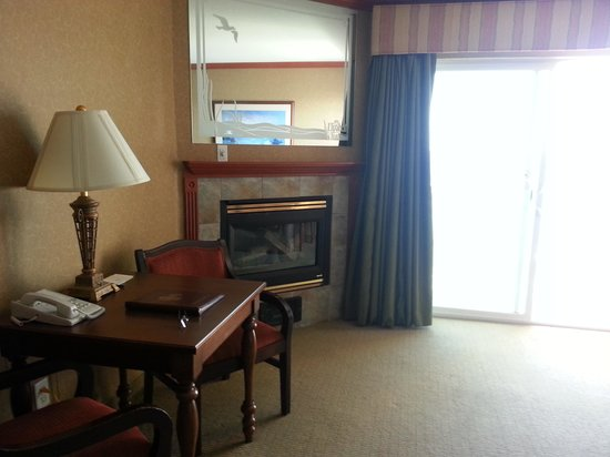 Elizabeth Oceanfront Suites: Durchblick