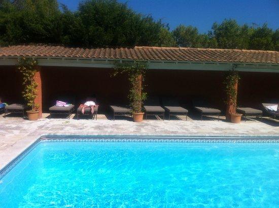Castillon des Baux : pool