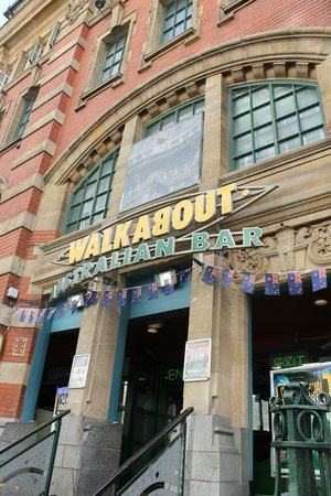 Walkabout Inn: Exterior 2