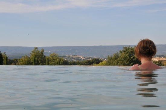 La Bastide des Magnans : vue depuis la piscine