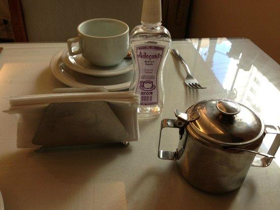 Hotel Village Icarai : Pobreza de café da manhã..