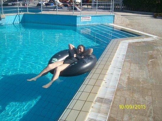 Long Beach Resort: Hotel pool