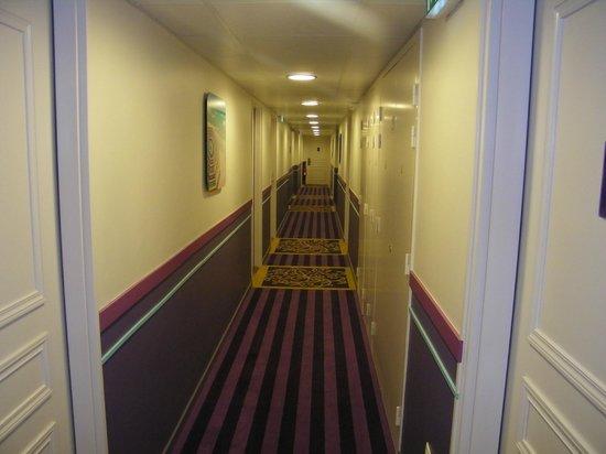 Apartamentos Pierre & Vacances Haguna: gang naar de kamer