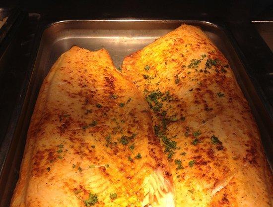 Mandarin Restaurant: Baked Salmon