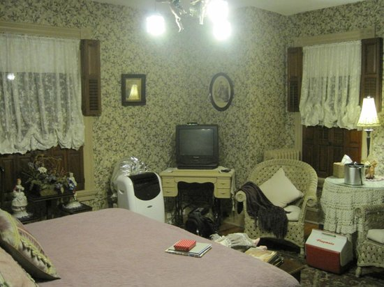 Hollerstown Hill: What the room really looks like.