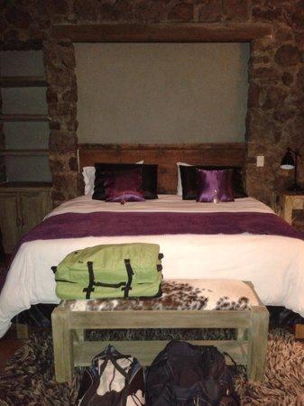 Hotel Nena: Deliciosa cama para descansar
