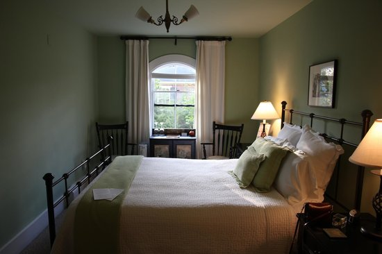 Ardmore Inn: bedroom