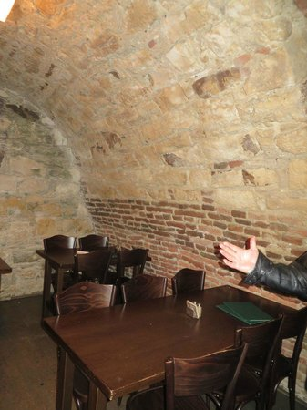 Ambiente Lokal: Seating in the cellar
