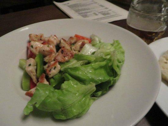 Ambiente Lokal: Chicken salad
