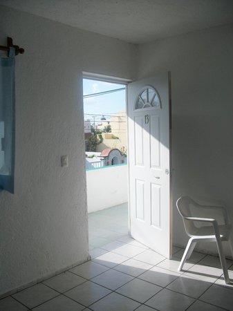 Hotel Eden: Front room hallway hot Eden Puerto Morelos Mexico