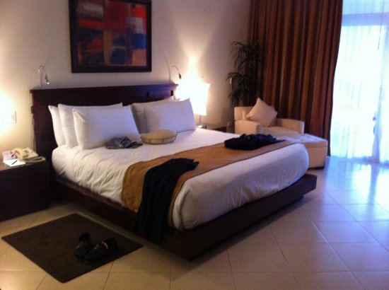The Crown Villas at Lifestyle Holidays Vacation Resort: President suit 37&38 stayed for three nights up grade to villa
