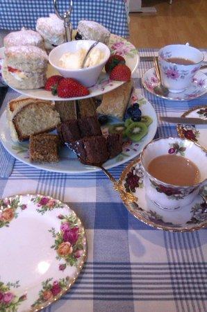 The Buttley Tearoom: Cake!