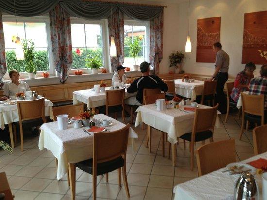 Apartments & Hotel Kurpfalzhof : Dining